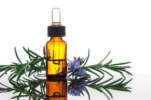 huile de romatin pour un shampoing naturel