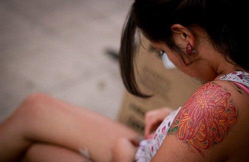 Pourquoi se faire tatouer peut être dangereux ?