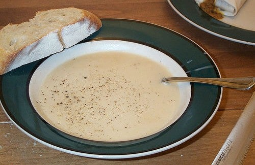 Une recette contre la grippe : soupe à l'oignon et à l'ail