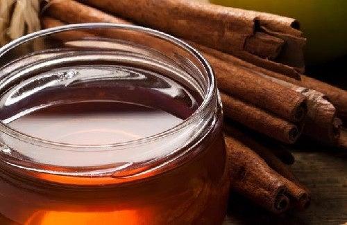 Les bienfaits d'une cuillère de cannelle et de miel