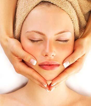 Remèdes naturels pour soigner les peaux matures.
