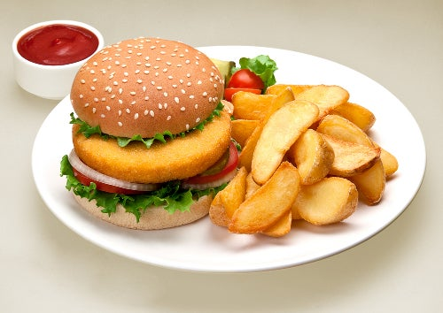 Éviter les aliments gras pour combattre la cellulite.
