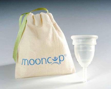 La coupe menstruelle pour remplacer les serviettes hygiéniques.
