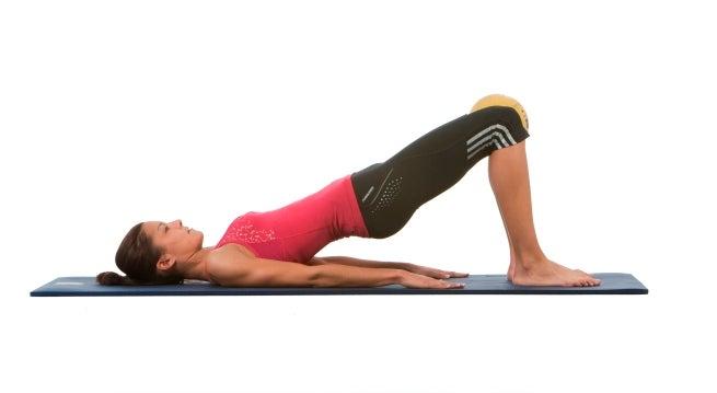 Élévation des hanches pour réduire son tour de taille.