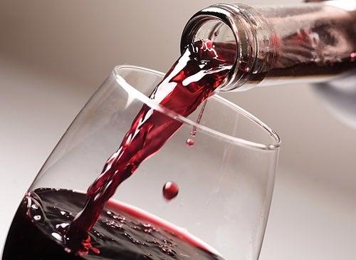 Le resvératrol se trouve dans le vin.