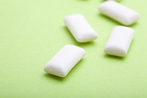Chewing gum pour éviter de se ronger les ongles.