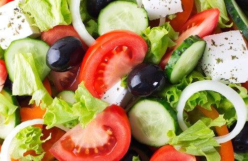 Maigrir avec les salades : trucs et astuces