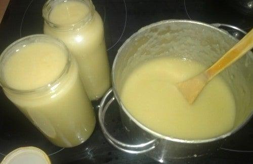 Le citron et d'autres produits naturels pour le ménage