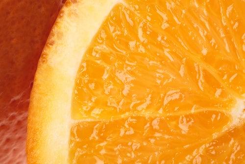La vitamine C fortifiera vos cils.