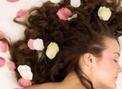 Parfumer les cheveux