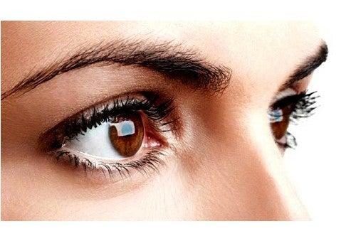 12 conseils qui vous permettront d'avoir de beaux sourcils