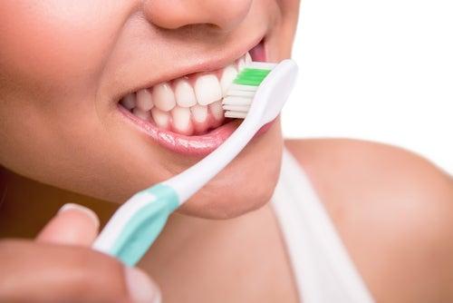 blachir les dents avec des traitements naturels