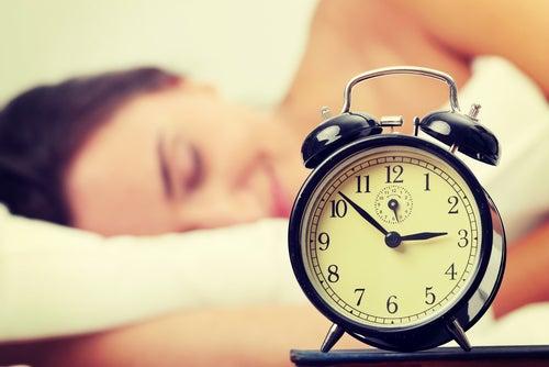 Dormez suffisamment pour diminuer l'envie de manger.