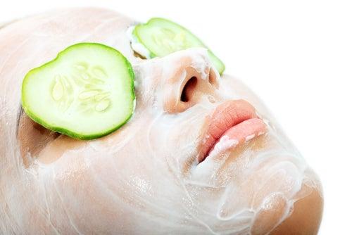 Le concombre est un ingrédient actif dans les peelings naturels.