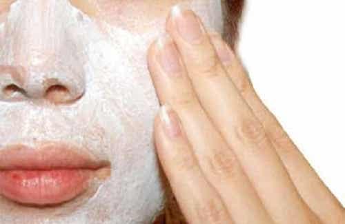 Méthodes naturelles pour exfolier la peau
