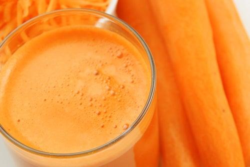 Pomme et carotte anti-cancérigènes.
