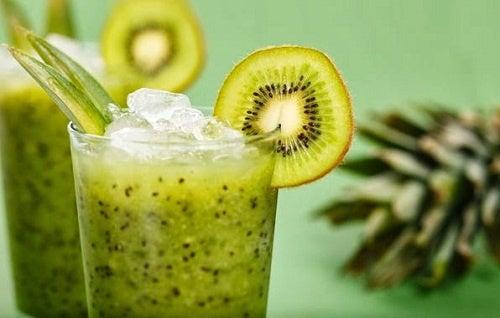Milk-shake de salade et de kiwi pour maigrir