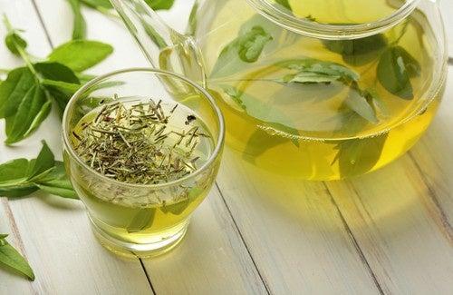 Les bénéfices du thé et du café contre la maladie du foie gras