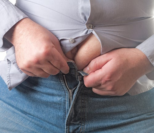 Les vêtements trop serrés empêchent d'éliminer la cellulite.