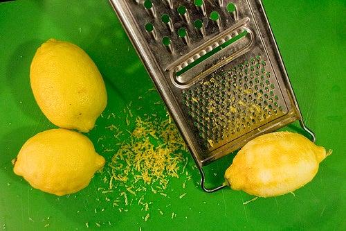 Le citron pour des cils longs.