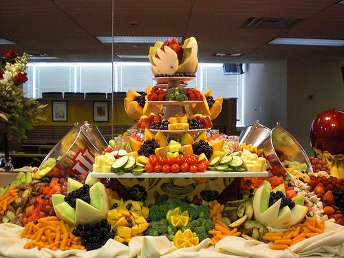 énorme buffets de fruits