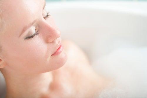 Usages et bienfaits de l'eau oxygénée : bain relaxant