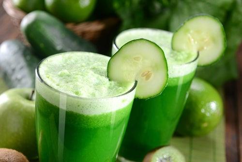 Jus de concombre pour baisser le taux de cholestérol.
