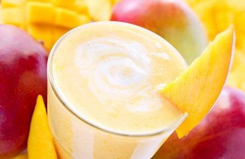 Des recettes de smoothies à la mangue pour mincir