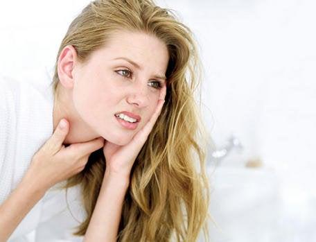 l'inflammation de l'œsophage et les maux de gorge