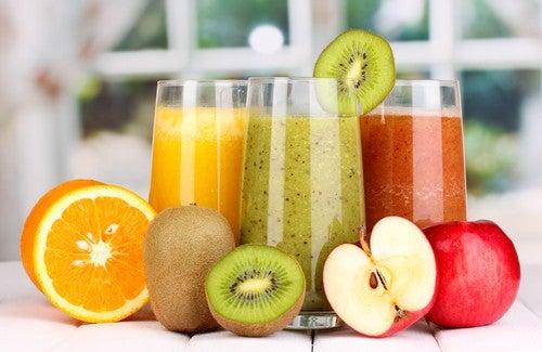 Comment se detoxifier le corps grâce au jus et au bouillon