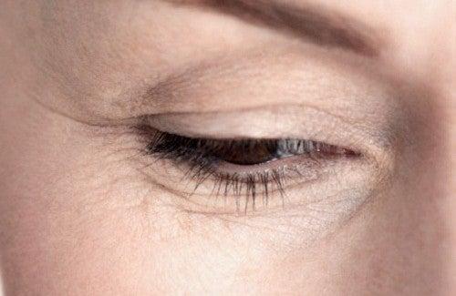 Les masques effectifs pour la personne avec la peau huileuse
