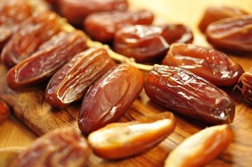 des fruits pour réduire les douleurs articulaires : dattes
