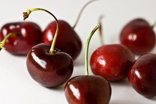 des fruits pour réduire les douleurs articulaires : cerises
