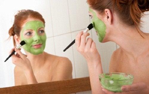 5 conseils pour un visage plus mince