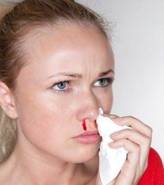 que faire en cas de saignement de nez