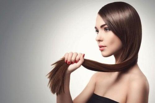 4 ingrédients pour se laver les cheveux sans shampoing