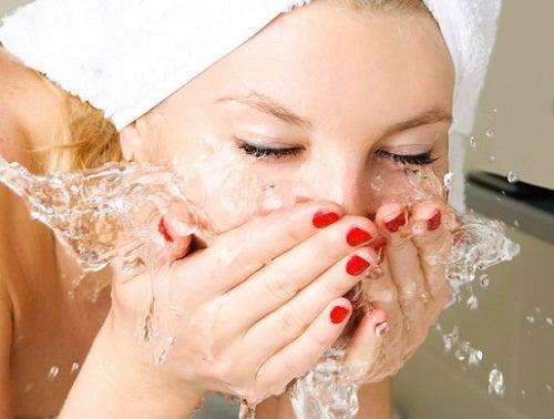 Laver-le-visage