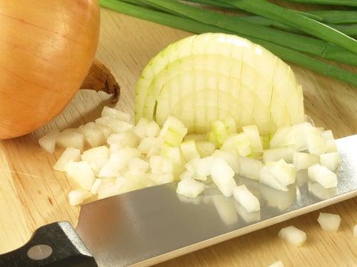 Remèdes naturels contre les verrues : jus d'oignon