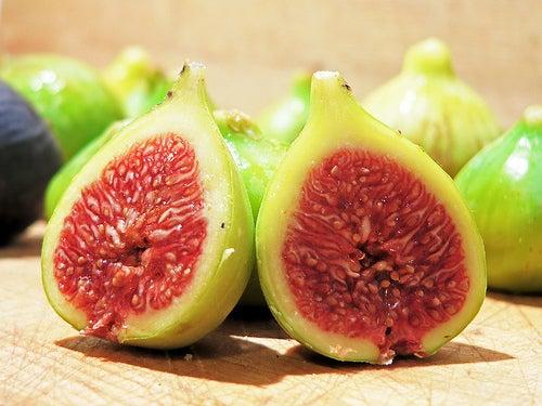 Remèdes naturels contre les verrues : figues