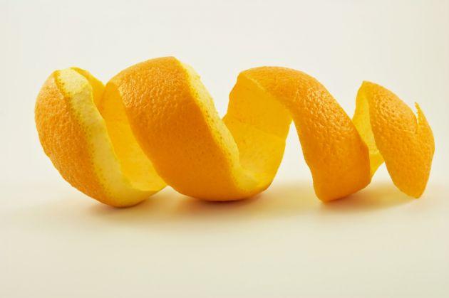 Traitements naturels pour blanchir les dents : peau d'orange