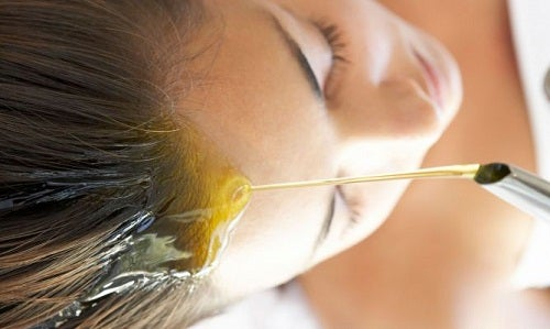 huile d'olive sur les cheveux