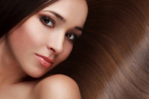 8 astuces pour avoir des cheveux beaux et résistants