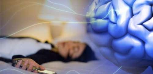 Est-il mauvais de dormir près de son téléphone portable ?