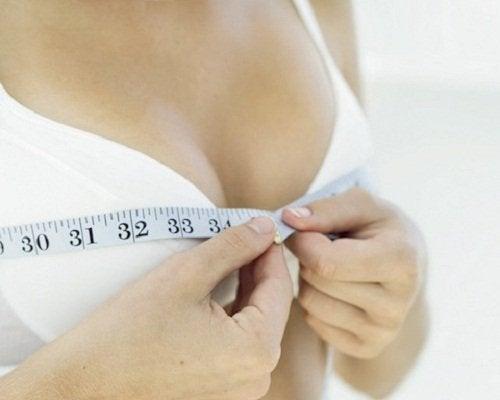 9 exercices pour raffermir la poitrine
