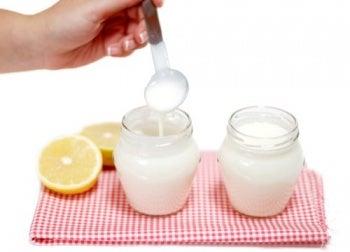 pots.de_.yaourt_.au_.citron_