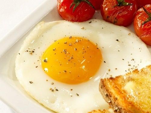 Est-il bon de manger des œufs?