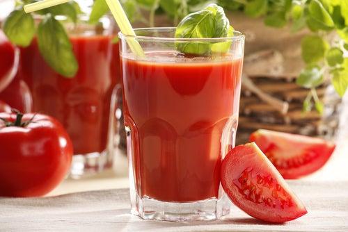 Jus de tomate contre les inflammations.