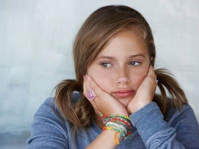 adolescent qui boude