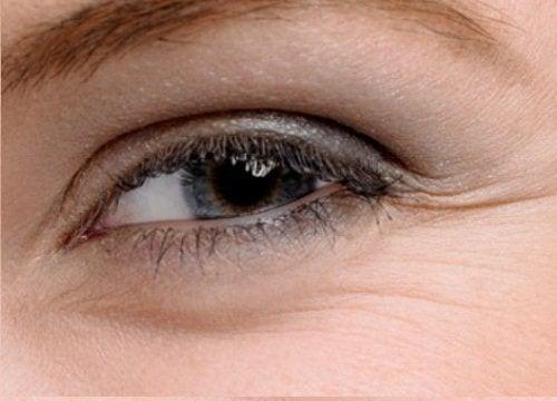 5 crèmes maison pour le contour des yeux