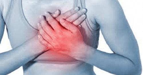 Les pointes au coeur sont parfois le signal d'alerte d'un problème cardiaque